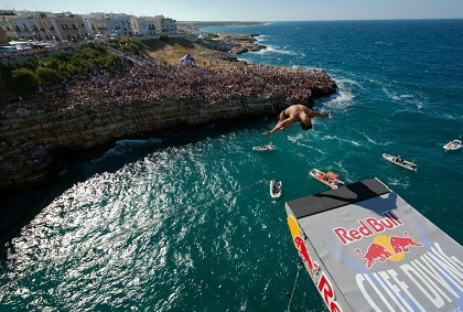 havana-live-cliff-diving