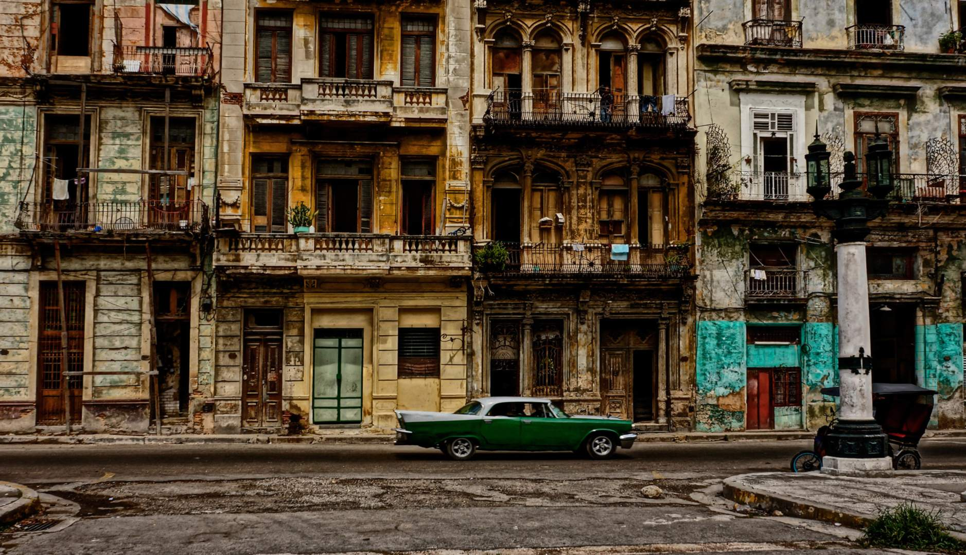 havana-live-Colorful_buildings1