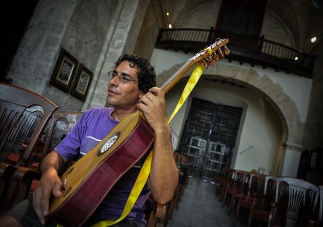 luthiers-cuba-mucha-pasion-pocos-medios_1_2070254