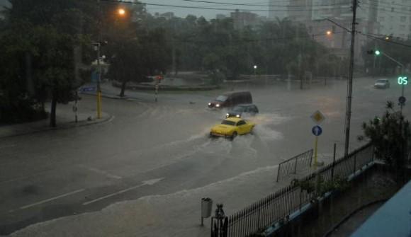 havana-live-fuertes-lluvias-habana