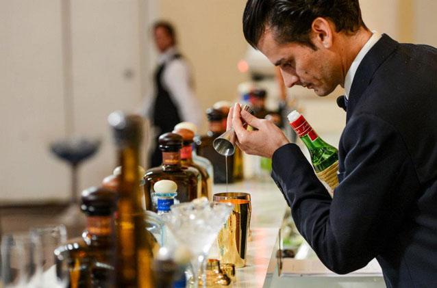 havana-live-World-Class-Barman-del-Año-2013-Final-Global-Mixología-en-Crucero-por-Mediterráneo-50-Bartenders-Título-de-Barman-del-Año-Julio-2013-Buque-de-Azamara-Club-Cruise-01