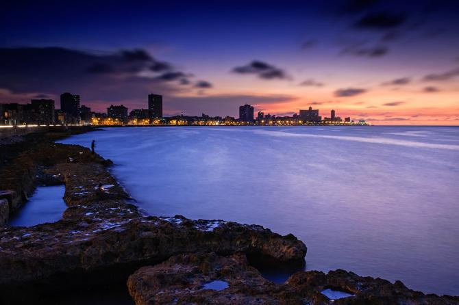 cuba-havana-malecon-sunset