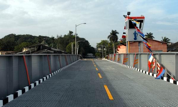 havana-live-puente-hierro-giratorio-almendares 2014-foto-carlos-serpa-maceira-00