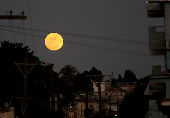 Super Luna. Foto> Ismael Francisco/Cubadebate.