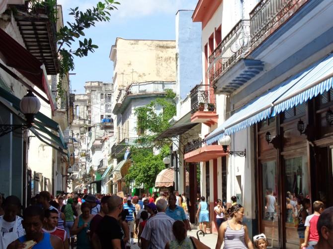 havana-live-street-havana-vieja