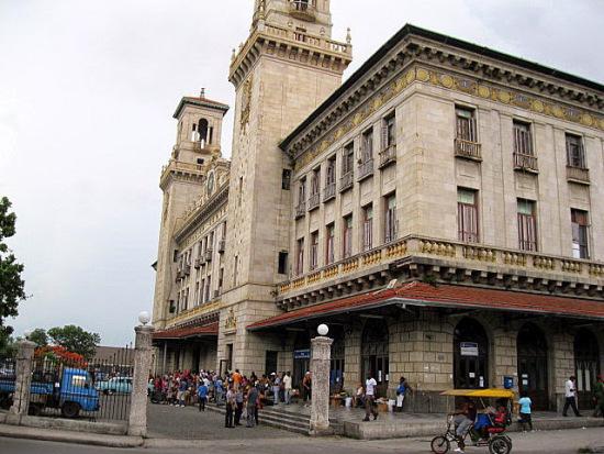 havana-live-estacic3b3n-central-de-ferrocarriles-de-cuba-en-la-habana-construida-en-1912-foto-mario-hechavarria-driggs