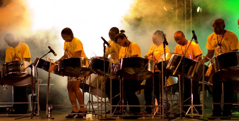 8734-steel-band-trinidad-tobago