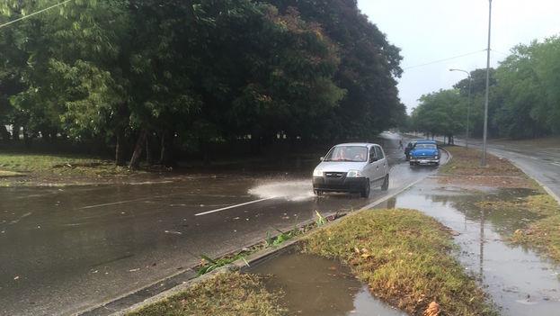 Carreteras-inundadas-Habana-despues-miercoles_CYMIMA20150916_0010_13