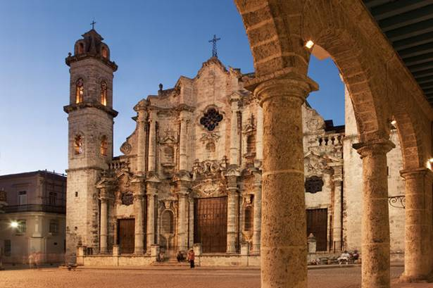 havana-live-plaza-de-la-catedral