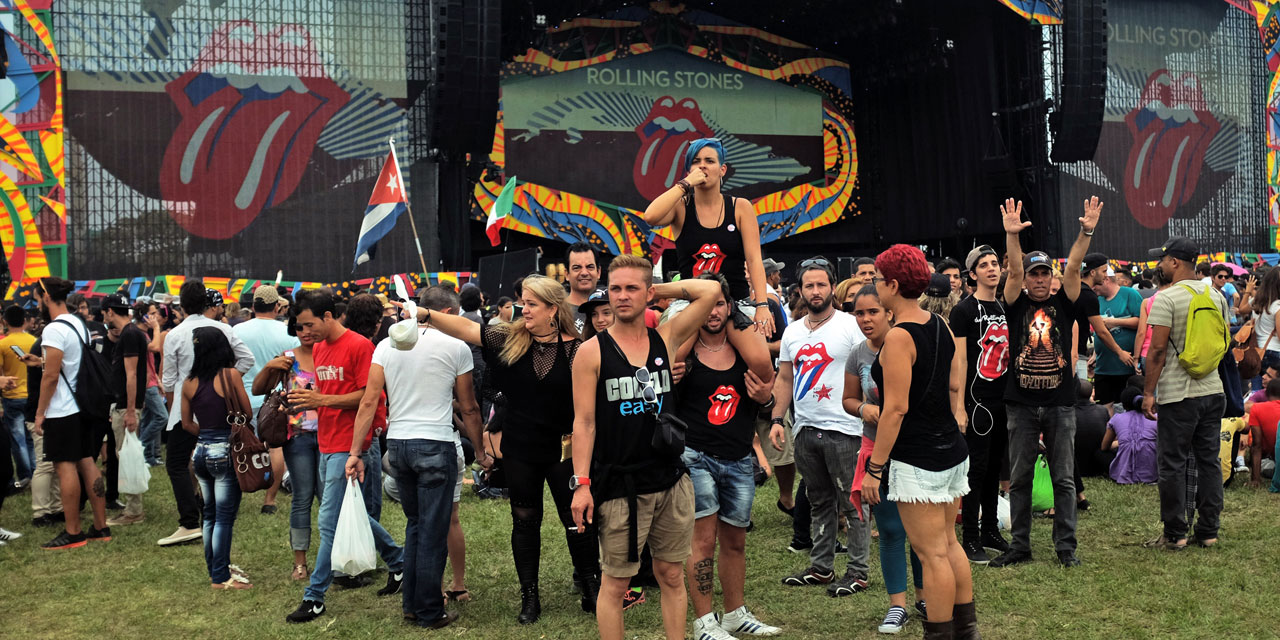 Devant-la-scene-ou-les-Rolling-Stones-donneront-leur-concert