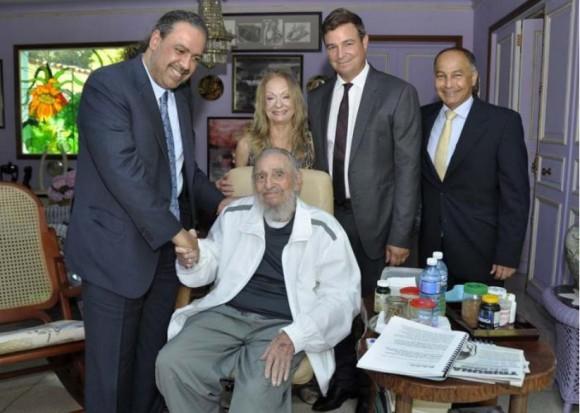 Fidel-con-el-Presidente-de-ACNO-580x413