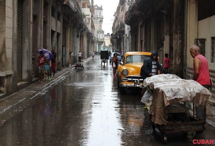 La-lluvia-sirvio-para-barrer-el-polvo-y-la-basura-de-las-calles-tormenta-Colin-722x493