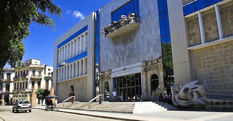 havana-live-Museo-de-bellas-Artes-Yadira-Montero-(2)-copia