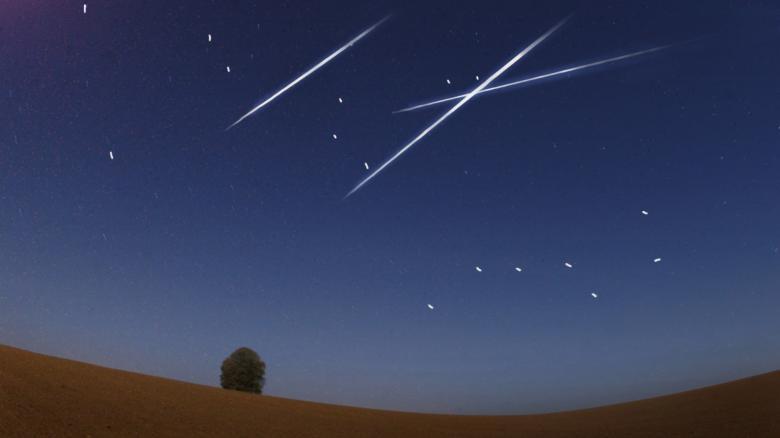 Sternschnuppen-am-Nachthimmel