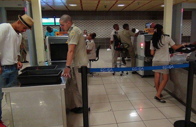 La Aduana General de la República de Cuba a través de su página web informó sobre una serie de artículos y productos que requieren autorización previa para ser importados a Cuba.