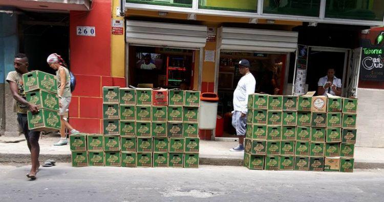 acaparando_cervezas_en_la_habana