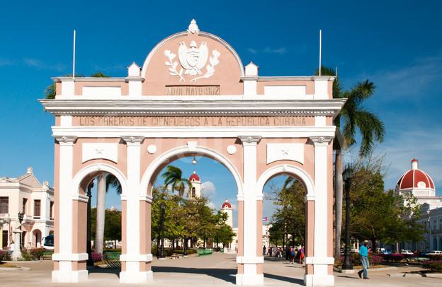 Cuba y Francia firmaron un acuerdo para la restauración del Arco de Triunfo