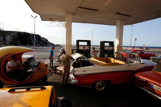 Las ventas de gasolina en Cuba se ven afectadas por la escasez de Venezuela