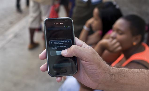 ETECSA continúa restringiendo servicios en Cuba