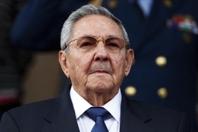 Raúl Castro asiste en Holguín al entierro de su hermana Agustina
