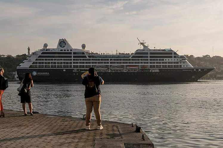 Arriba a La Habana el crucero Azamara Quest