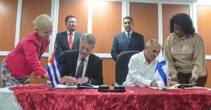 La Habana y Finlandia quieren facilitar el tráfico aéreo hacia Cuba
