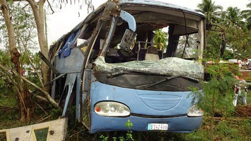 Accidente de un autobús deja 55 heridos en la provincia de Granma