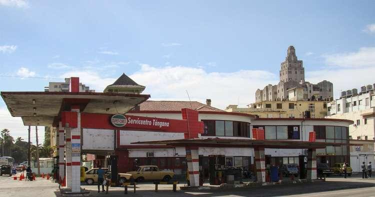 Gasolineras cerradas y normalidad en La Habana ante la limitación de combustible