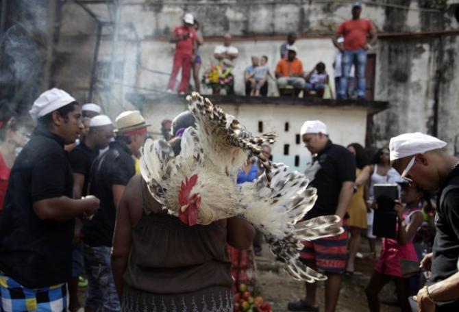 tradición afrocubana,religio,río Almendares,La Habana,santería