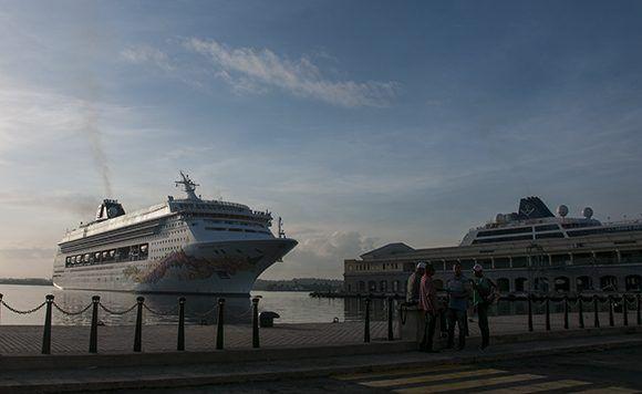 Crucero,Norwegian Sky,Bahía de La Habana,Carnival Cruise Line, Pearl Seas Cruise,Royal Caribbean Cruise Line Ltd,
