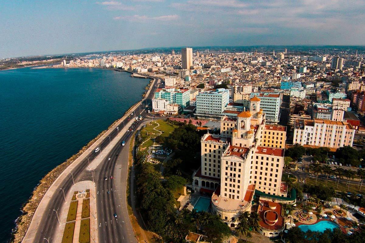 diplomáticos de Cuba y de Rusia, diálogo político