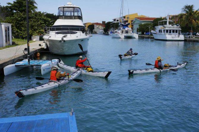 Cuatro estadounidenses salen en kayak desde La Habana para intentar llegar a Cayo Hueso
