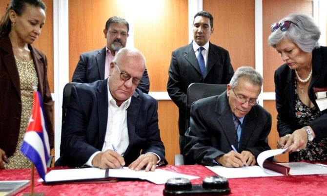 Puertos de Cuba y Houston firman acuerdo para promover comercio