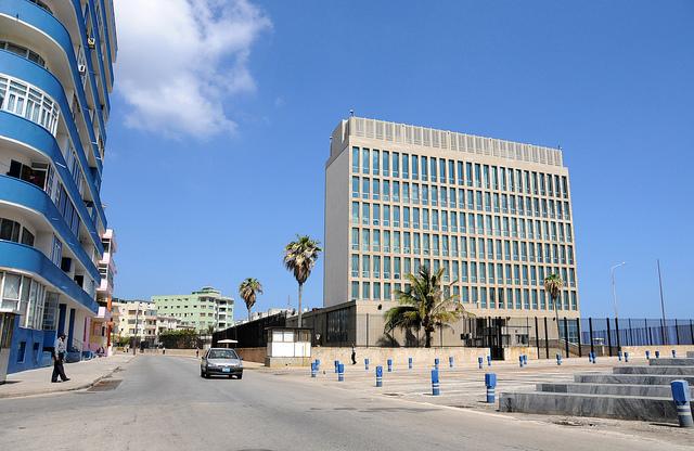 """EE.UU. cree que funcionarios en La Habana fueron víctimas de """"ataques acústicos"""""""