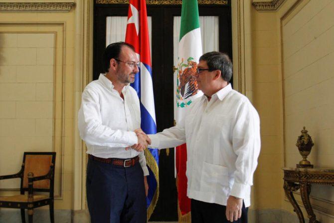 México ofrece más crédito a Cuba a cambio de ayuda para resolver problema en Venezuela