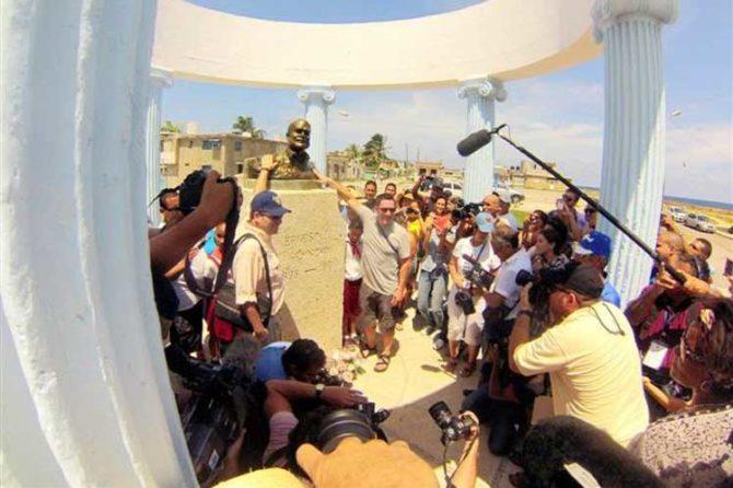 Bustos de Hemingway en Cuba atraen a turistas