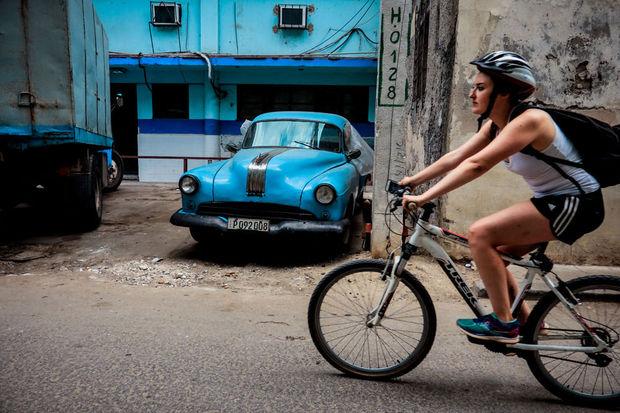 Entre la necesidad y el ingenio, la bici vuelve a la moda en Cuba