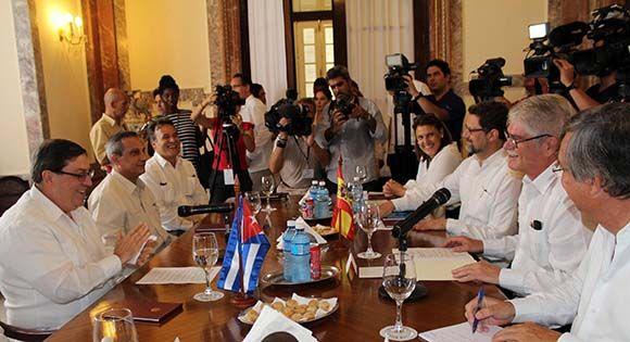 Bruno Rodríguez recibe al Canciller de España en La Habana