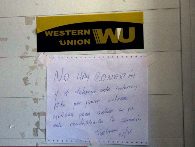 Congestionadas las Western Union de La Habana tras el paso de Irma