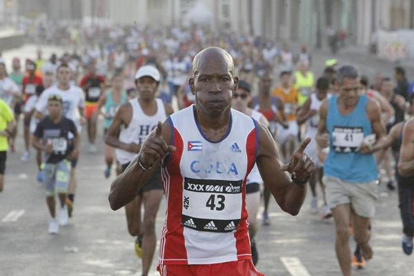 Establecen regulaciones en la vía por maratón del 10 de octubre