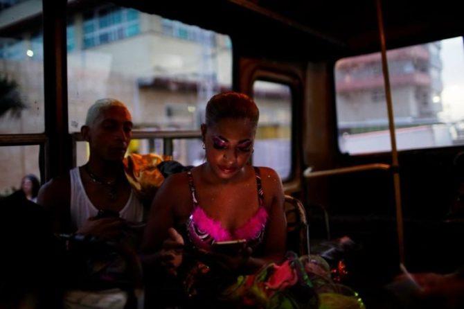 Los cubanos claman por más acceso a Internet