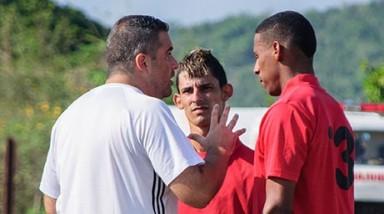 Mambrini y Mederos compartirán dirección de selección de fútbol cubano