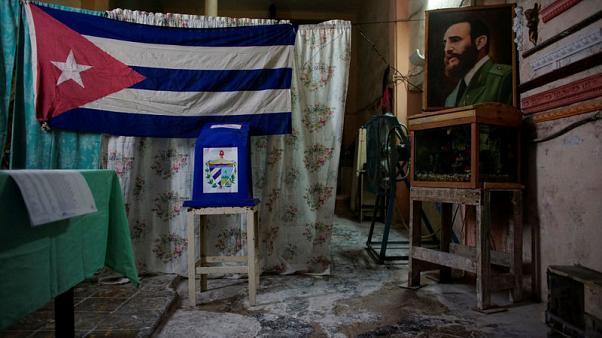 Cuba realiza elecciones municipales y avanza hacia el fin de la era Castro