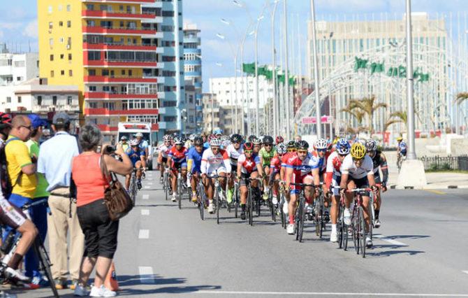 Cierre de vías en La Habana por Gran Fondo Tour Cuba 2017 de ciclismo