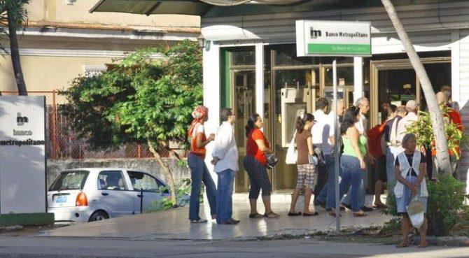 Banco Metropolitano introducen en La Habana servicio de banca móvil