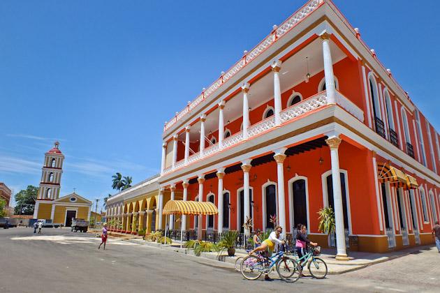 Abrirán dos nuevos hoteles en la Plaza Mayor de Remedios