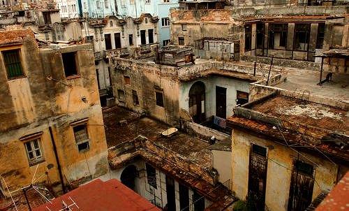 Un total de 107.200 personas viven 'ilegalmente' en Cuba, según datos oficiales