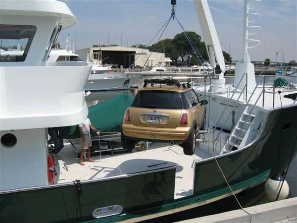 Aduana de Cuba autoriza la importación temporal de vehículos automotores en embarcaciones de recreo
