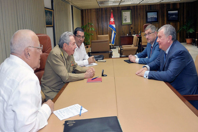 Igor Sechin, jefe de la petrolera rusa Rosneft, recorre La Habana y Caracas