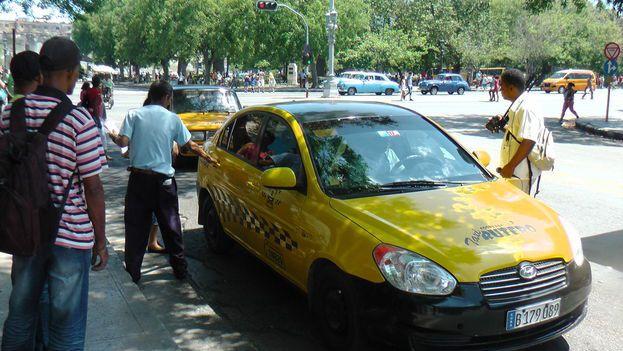 Funcionarán dos nuevas rutas de taxis en La Habana